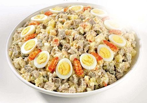 Салат с перепелиными яйцами с