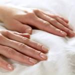 Как лечить обветренные руки