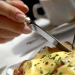 Правила этикета: как правильно подавать к столу блюда