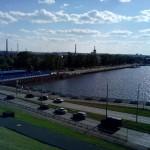 ижевский завод на берегу пруда