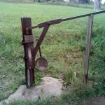 скважина с ручным насосом село Мувырьяг